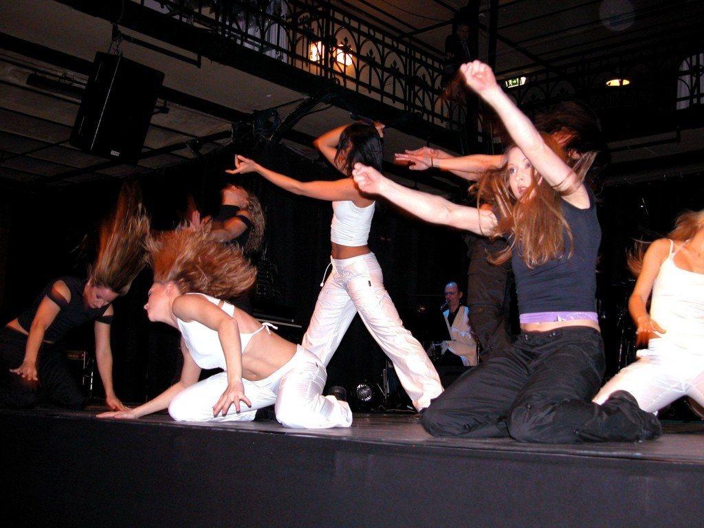 Pop Stars Dancing
